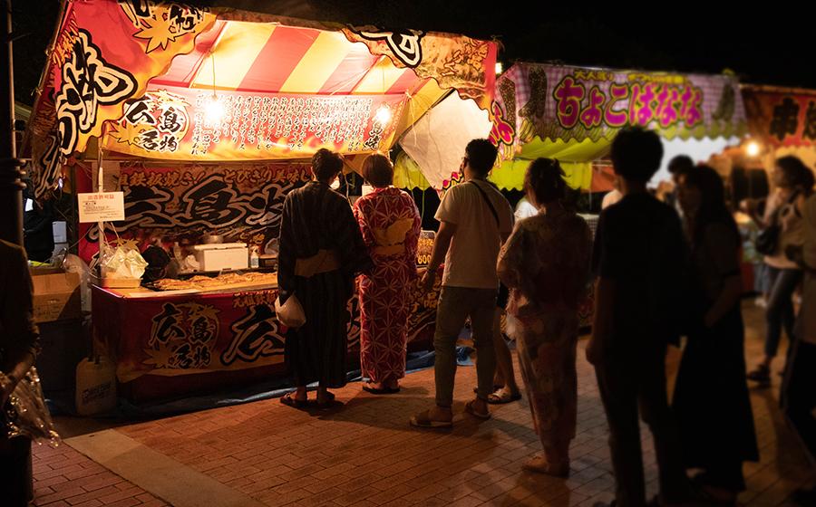 熱海海上花火大会は出店もあります